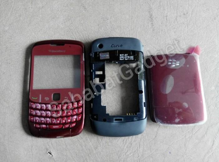 harga Casing blackberry gemini 8520 merah fullset Tokopedia.com