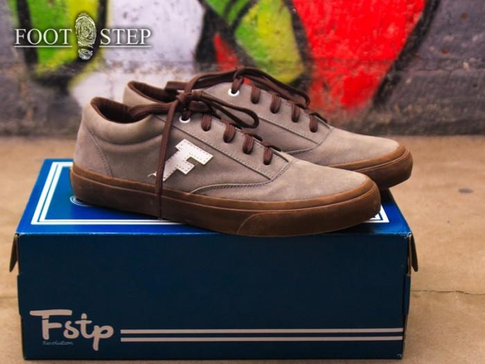 Jual Sepatu Sneakers Pria Murah Keren Gaya - Footstep FUTURA GREY ... c82ded8d05