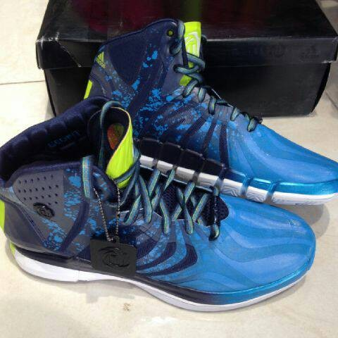 harga adidas d rose dominate