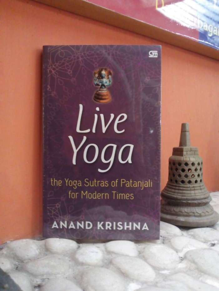 harga Live yoga; the yoga sutras of patanjali for modern times (bhs inggris) Tokopedia.com