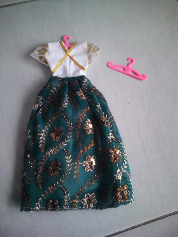 Jual Hanger Gantungan Baju Boneka Barbie Kharis Barbie