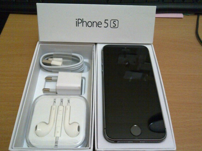 Apple iphone 5s 32gb black new original garansi resmi 1 tahun