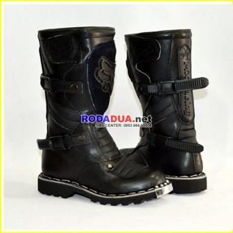 harga Sepatu cross anak lokal #001 Tokopedia.com