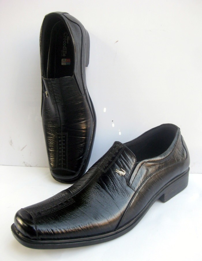 Sepatu Pantofel Pria Kerja Kulit Asli Merk Crocodile Hitam Berkualitas b804e0efd8