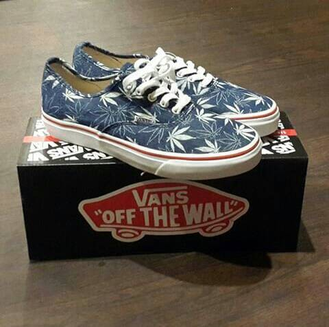 Jual ORI sepatu vans authentic series 9 - Toko Barang Bandung ... a3bf351d63