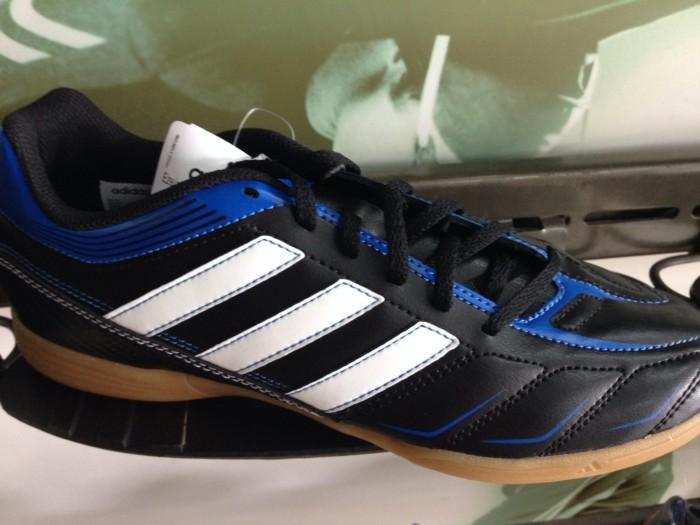 81283d87083 Jual Adidas sepatu futsal adidas ezeiro in authentic sale 50% cuci ...