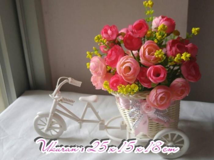 harga Bunga artificial type julia pink vas sepeda rotan Tokopedia.com