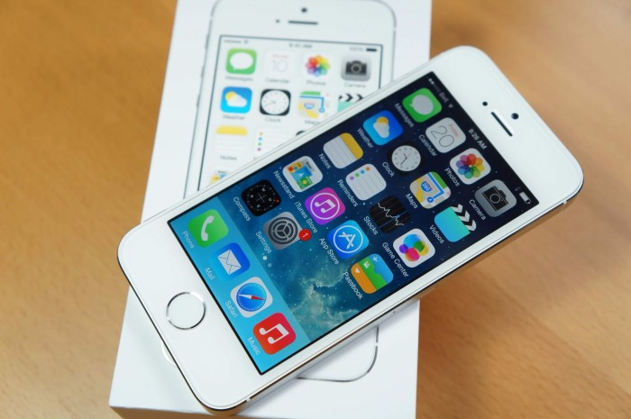 Foto Produk APPLE IPHONE 5S 32 GB WHITE ORIGINAL BERGARANSI dari Maya Grosir Gadget Shop