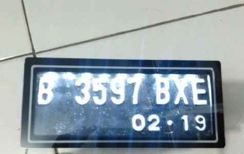 harga Dudukan plat nomor acrelyc motor singgel led untuk plat nomor baru Tokopedia.com