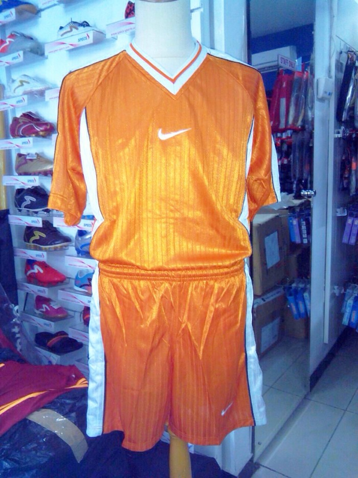Jual Jersey kaos Kostum team futsal sepak bola nike orange stelan ... 4b8e25bd8f3eb
