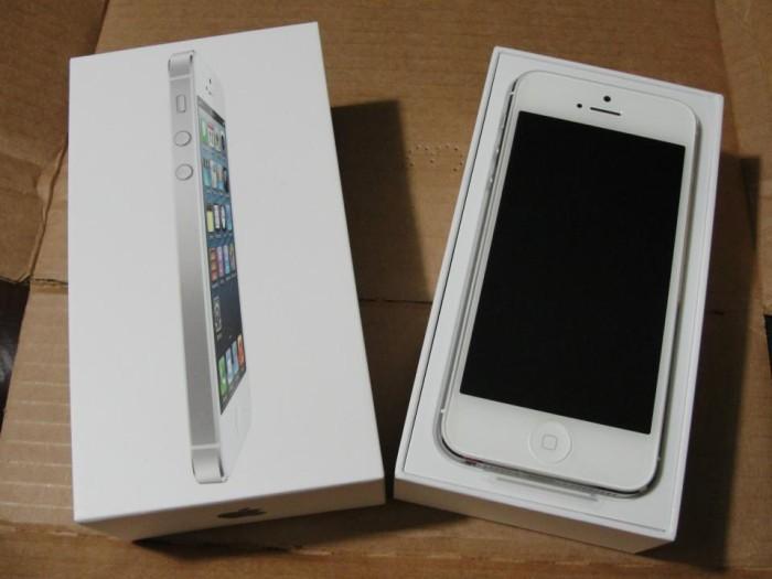 harga Iphone 5 16gb black&white garansi resmi apple Tokopedia.com