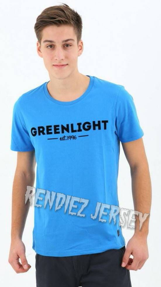 Tshirt/T shirt/Kaos GREEN LIGHT
