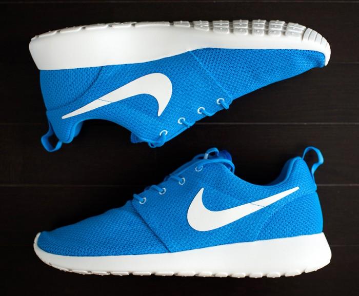 sale retailer 6c3a7 63335 Sepatu Nike Roshe Run KW Super (Warna Biru)