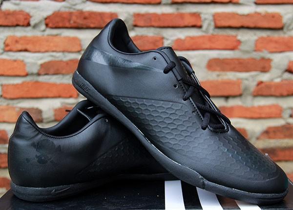Sepatu Futsal Nike Hypervenom Full Black