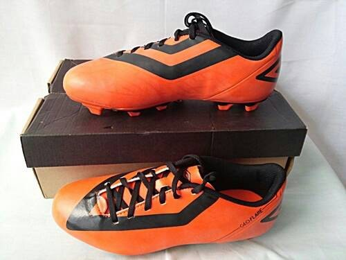 e872695b0f Jual Sepatu Bola Umbro geoflare shield FG orange original asli murah ...