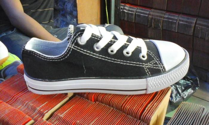 harga Sepatu sekolah converse allstar hitam putih kids anak low murah ready Tokopedia.com