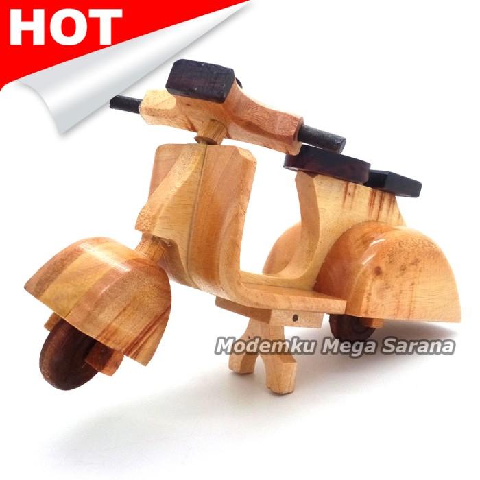 harga Miniatur motor vespa kayu 24x10x10 cm Tokopedia.com