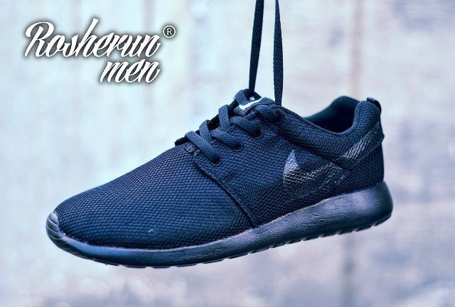 harga Sepatu sports nike roshe run full black Tokopedia.com