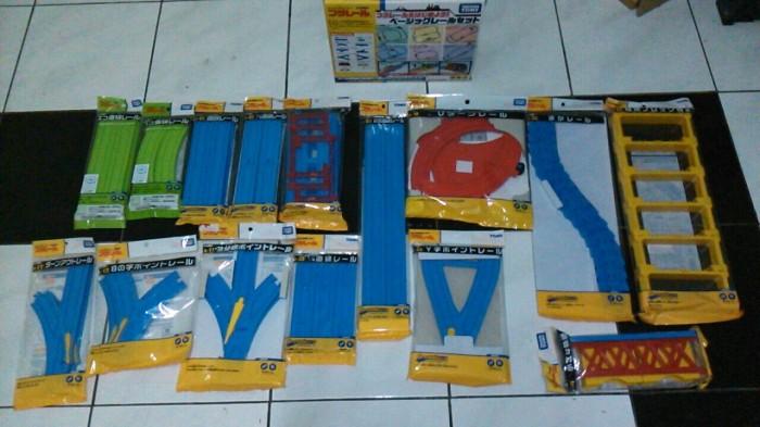 harga Plarail r-02 takara tomy Tokopedia.com