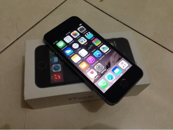iphone 99. jual iphone 5s 64gb grey fullset 99%mulus | garansi apple resmi iphone 99