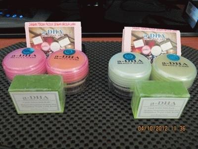 Pemutih Wajah Adha Pink dan Hijau Cream Asli Original Pencerah Muka