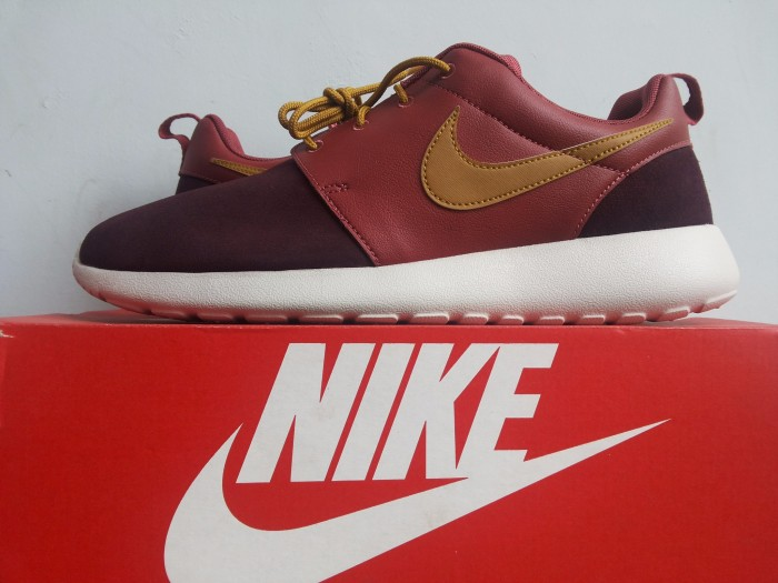 f04612d65633 Jual Original Nike Rosherun Premium Cedar Bronzine-Deep Burgundy ...
