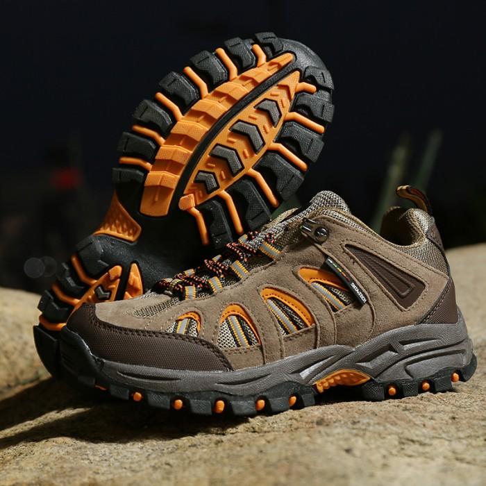 harga Sepatu gunung trekking hiking adventure wanita snta kode 602 brown  Tokopedia 589a0ba764