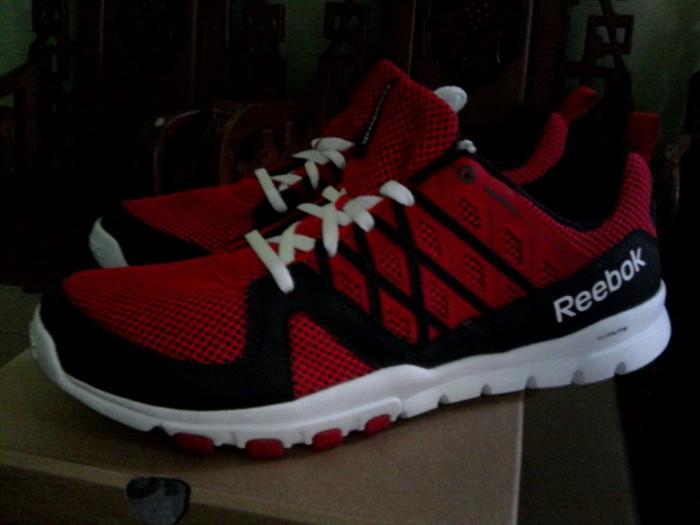Jual Sepatu Reebok Sepatu Running Sepatu Olahraga Pria Baru Original ... 8f55b4bfaa