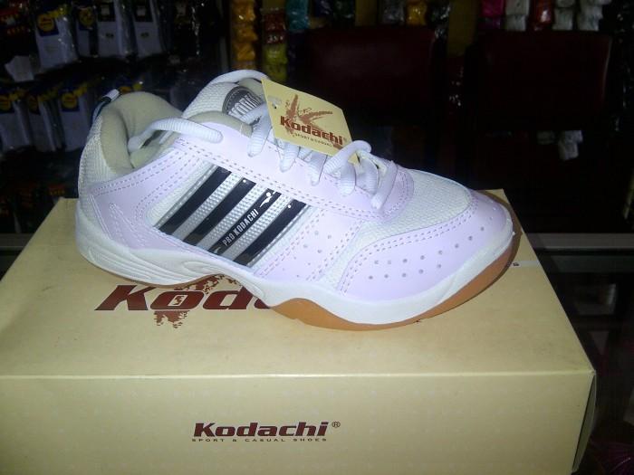 harga Sepatu olahraga kodachi ar white black Tokopedia.com