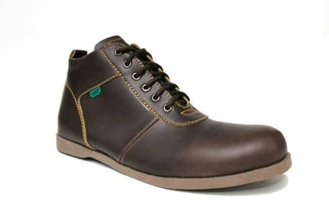 harga Sepatu casual pria santai formal black master new brodo Tokopedia.com