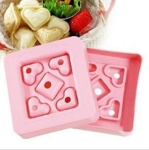 harga Cetakan alat cetak roti tawar isi bentuk model hati love heart kecil Tokopedia.com