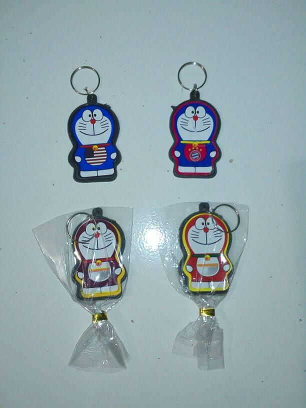 Cinderamata Pernikahan Gantungan Kunci Doraemon