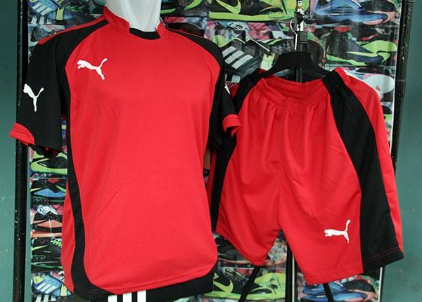Jual Grosir   Eceran Setelan Baju Olahraga Puma Evo Merah Jersey ... 8acc7642bd