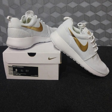 d38b07f1db68 coupon code for nike roshe run white gold a9478 92683
