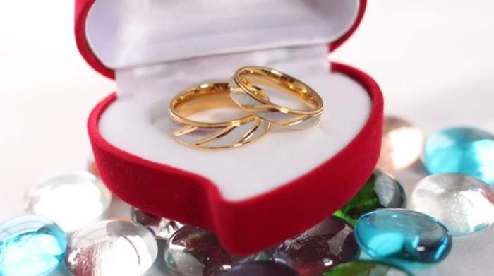 Jual 1 Psg Cincin Kotak Cincin Couple Titanium Ori Kota Medan Lk Jewelry Tokopedia