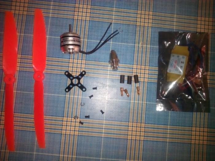 harga Brushless motor 1400kv+ 30a esc + propeler / baling baling + aksesoris Tokopedia.com