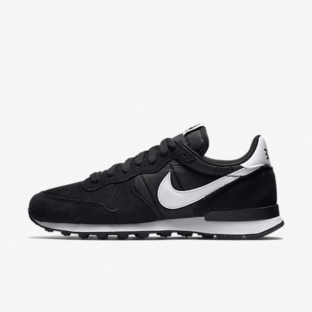 buy online 327d2 a6cca ... canada sepatu casual nike internationalist black white original 490be  b9620