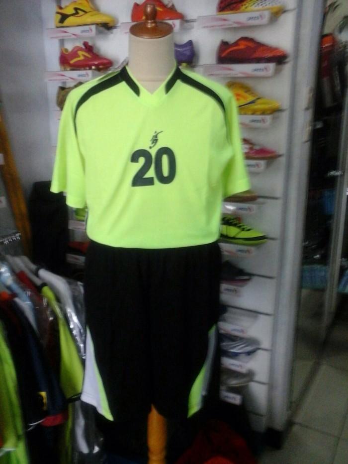 harga Stelan kostum kiper maestro baju celana keeper stabilo lengan pendek Tokopedia.com