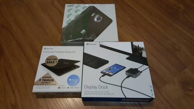 harga Microsoft lumia black 950 (free display dock+foldabe keyboard) Tokopedia.com