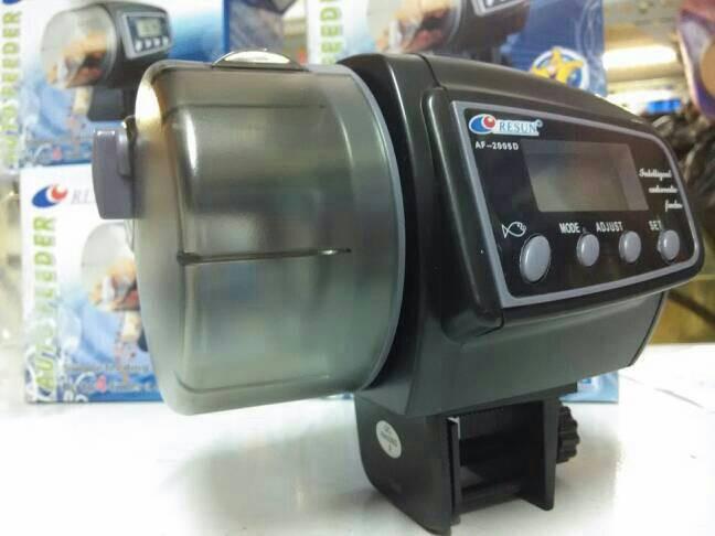 Auto feeder resun af-2005d alat pemberi makan ikan otomatis