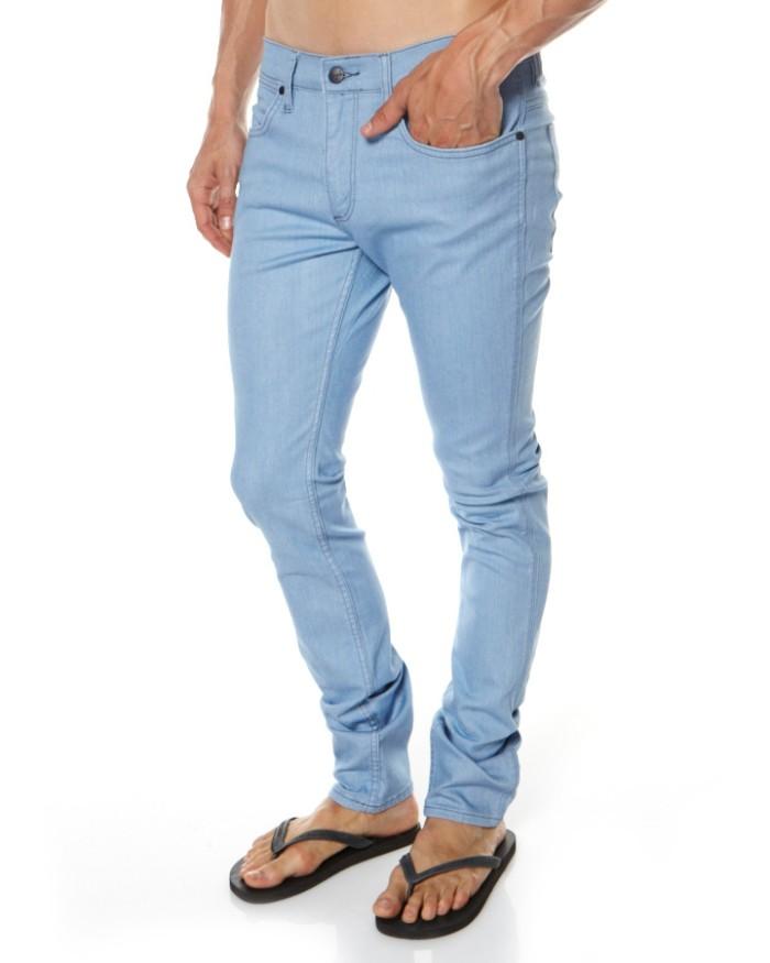 Celana Panjang Jeans Pria Wrangler Skinny/Pensil Bioblitz (Biru Muda)