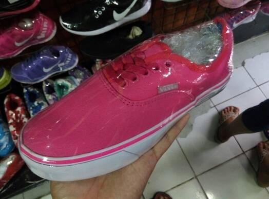 Sepatu Vans Authentic Pink