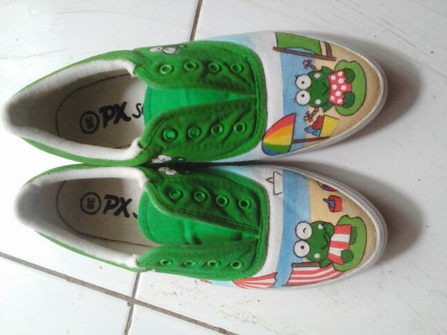 harga Sepatu lukis keroppi pantai Tokopedia.com