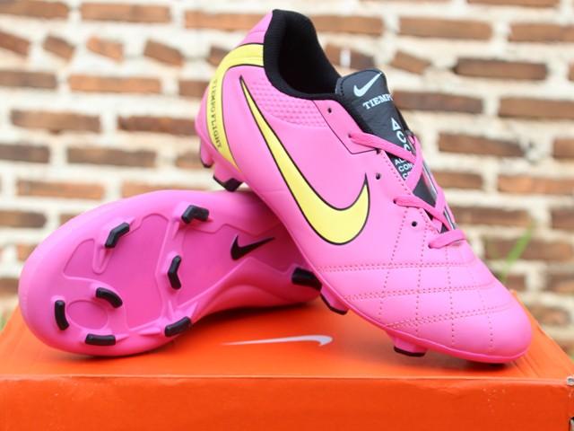 Jual sepatu bola Nike Tiempo ACC Legend Pink (keren 867f278ffb
