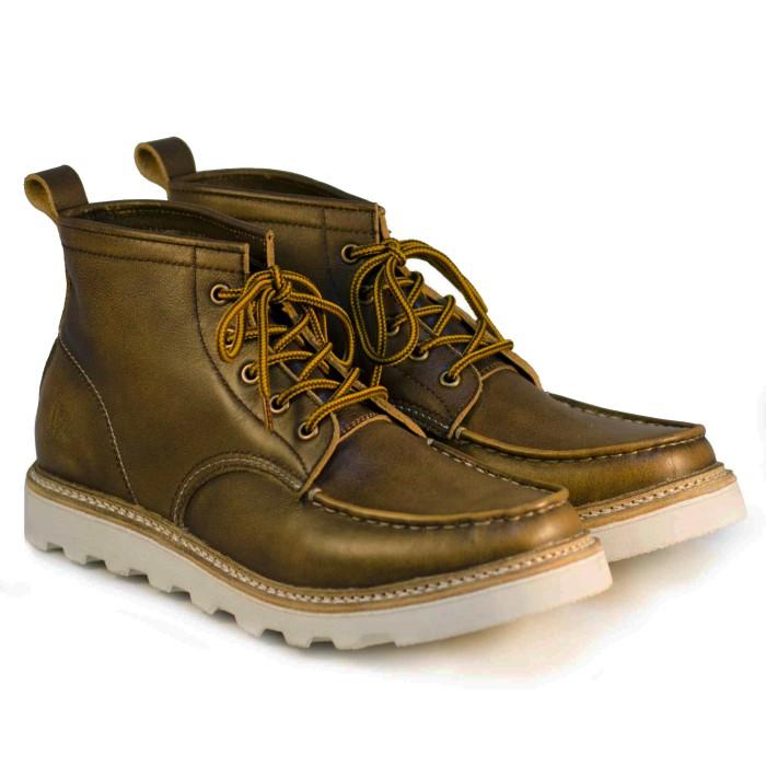 Trendishoes Sepatu Boot Anak Laki Laki Star Kid Stardpn Blackbeige ... bb386b1853