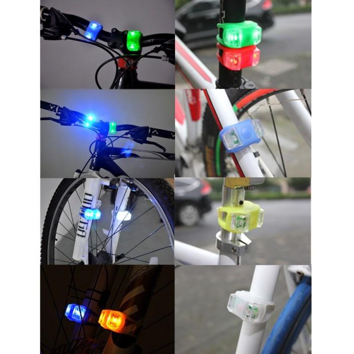 harga Bicycle frog light silicone led mountain bike flashlight 2 pcs - black Tokopedia.com