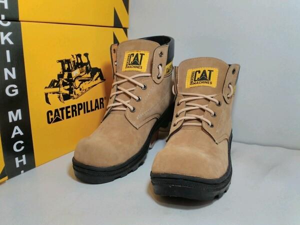 Foto Produk sepatu caterpillar sefty cream dari z1ra shoes
