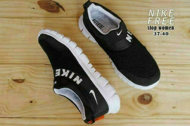 harga Sepatu casual running wanita nike free slip on black white Tokopedia.com