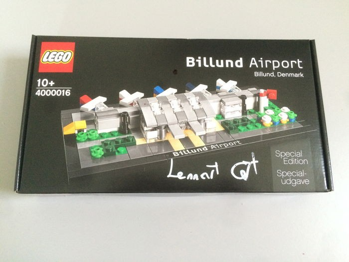 harga Lego 4000016 billund airport - sign by the set's designer lennart cort