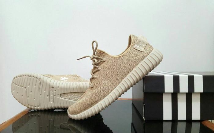 harga Sepatu sport pria casual adidas yeezy boost 350 Tokopedia.com